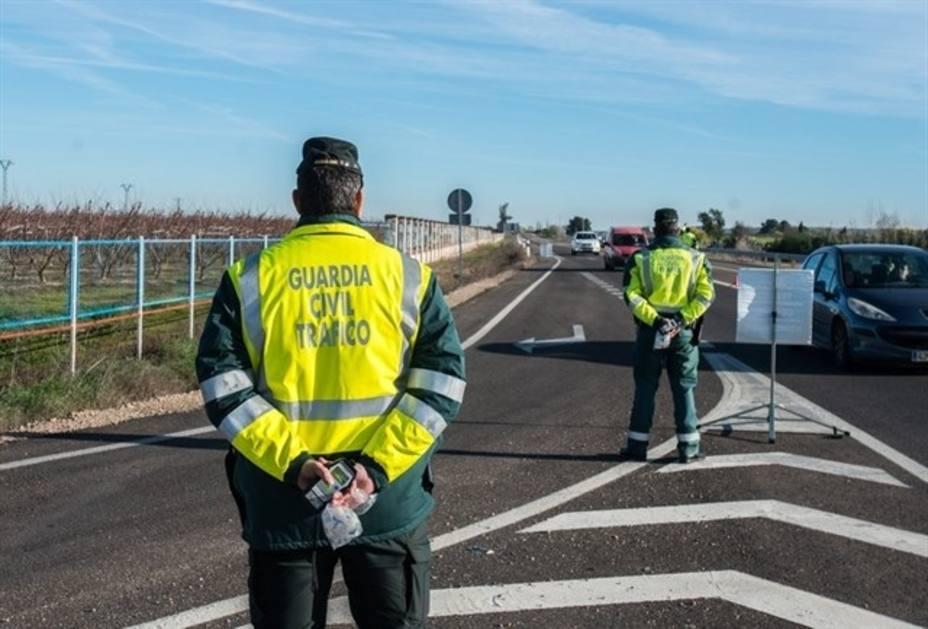 Fallece un hombre de 77 años en un accidente entre tres turismos en la A-92 en Fuente de Piedra (Málaga)