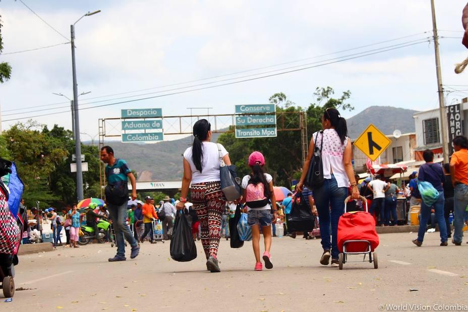 La migración masiva de venezolanos genera escasez de profesionales en varios sectores