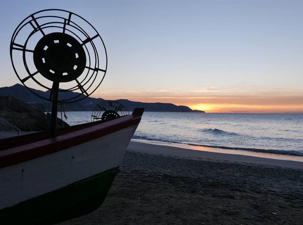 Localizados 7 migrantes argelinos en una patera en Águilas