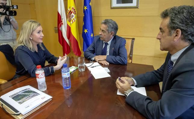 Reunión Sniace y Gobierno Regional
