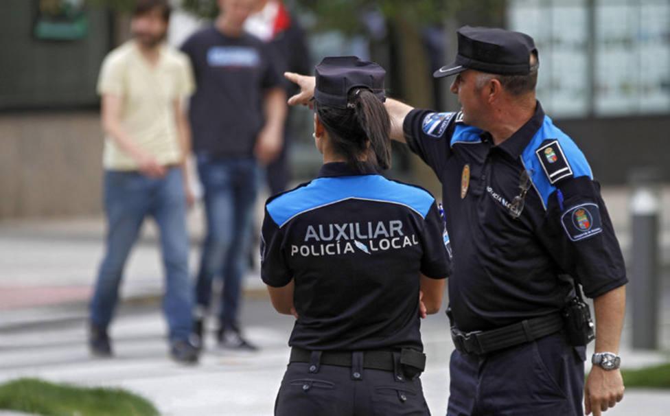 Foto de archivo de agentes de la Policía Local - FOTO: Policía Local de Cedeira
