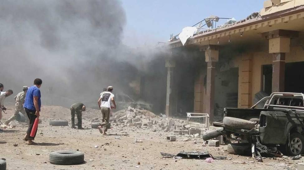 20 muertos y 35 heridos en un ataque aéreo de Hafter en el suroeste de Libia