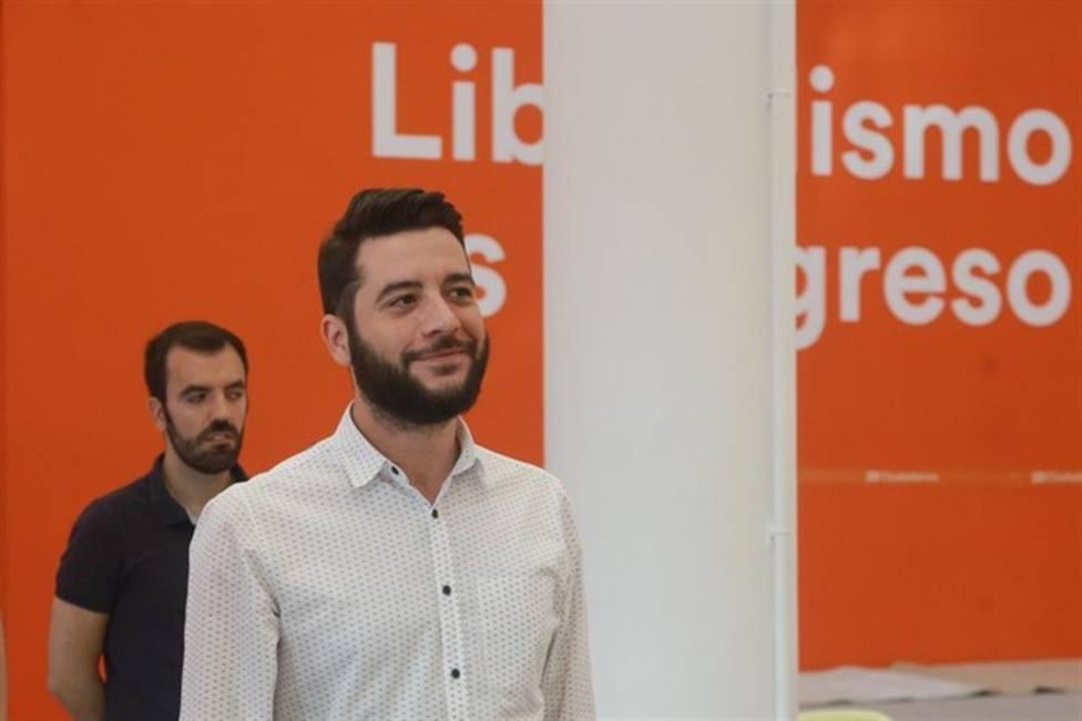 """Ciudadanos respalda a Ayuso, pero advierte: """"no puede haber imputados"""" en un gobierno de coalición"""