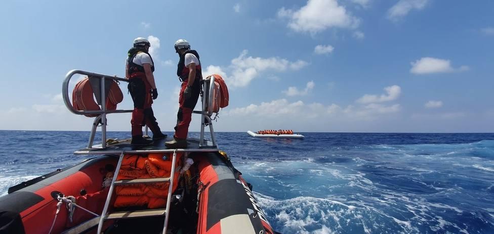 El Ocean Viking rescata a otras 105 personas en una cuarta operación en el mar Mediterráneo