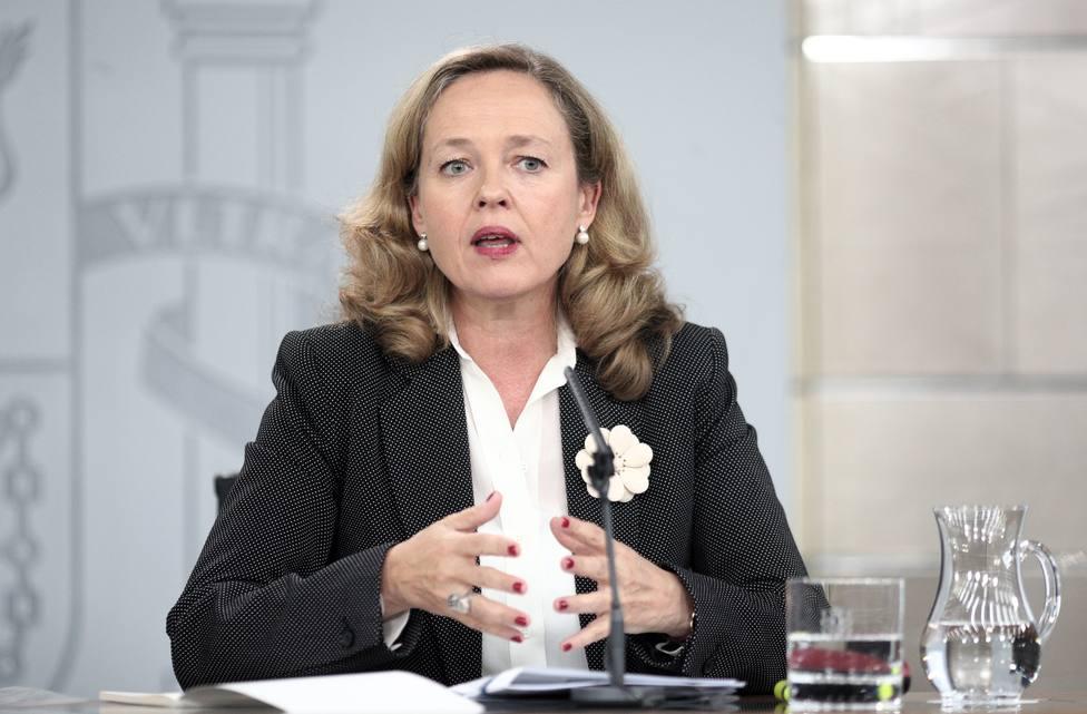 Calviño asegura que nadie ve ahora un riesgo de crisis ni en el euro ni en España