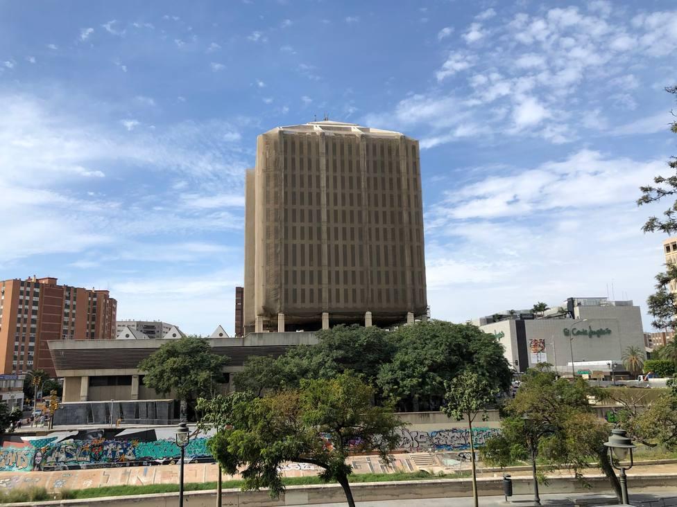 ¿Quiénes han pujado por el edificio de Correos de Málaga y el Palacio de la Tinta?