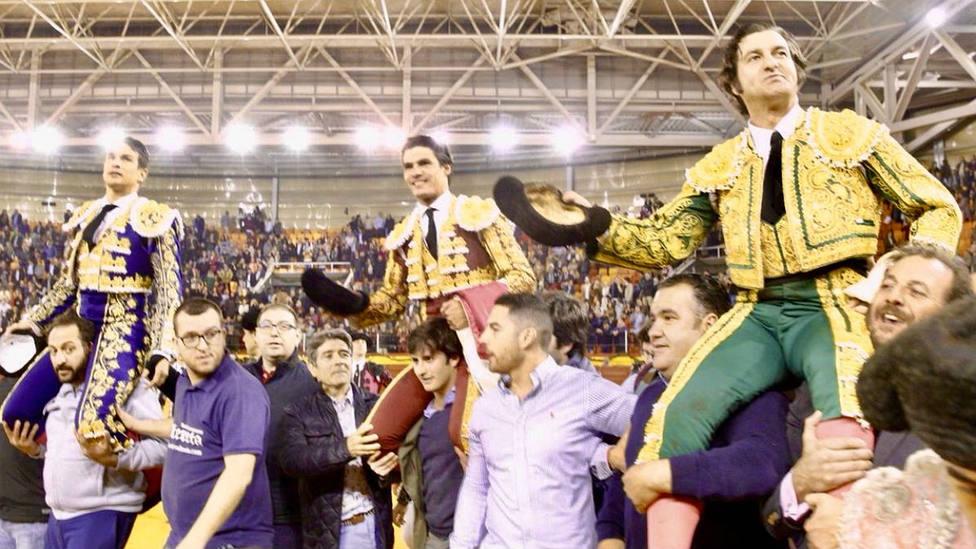 Manzanares, Pablo Aguado y Morante de la Puebla, en su salida a hombros en Illescas