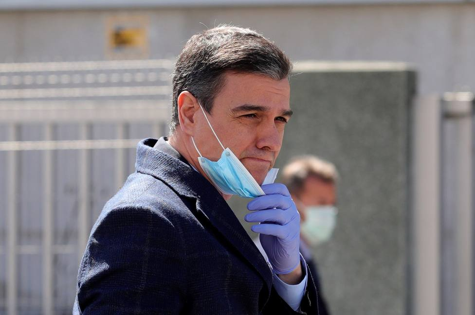 Sánchez visita empresa de Móstoles que fabrica respiradores