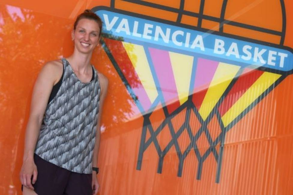 Laura Gil comienza su nueva aventura con Valencia Básket