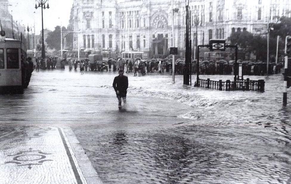 La inundación en el Metro de Madrid tiene precedente: así quedó Cibeles en 1942