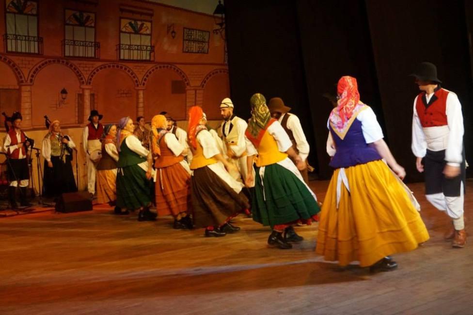 Grupo de danza tradicional Alxibeira de Narón