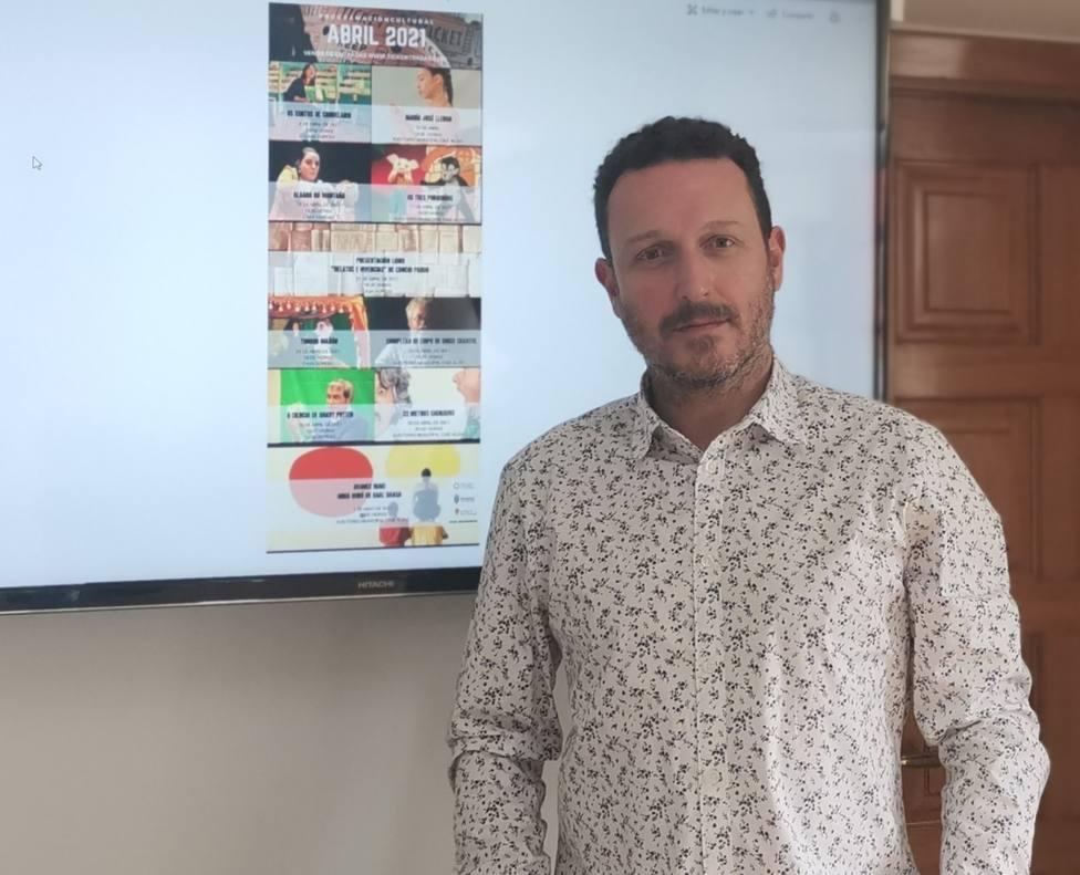 Vicente Roca es concejal de Cultura en el Ayuntamiento de As Pontes - FOTO: Concello de As Pontes