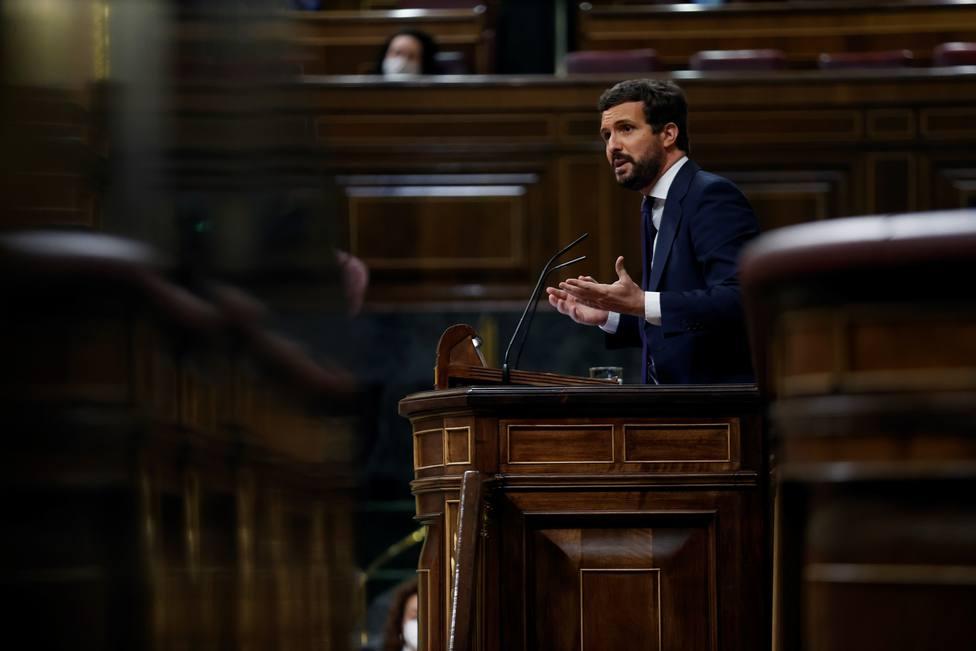 Casado plantea que Pedro Sánchez y él se vacunen juntos para dar ejemplo a los ciudadanos