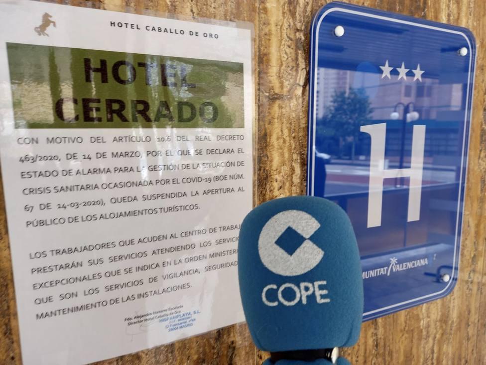 La Linterna de COPE aborda este lunes desde Alicante la crisis del sector turístico