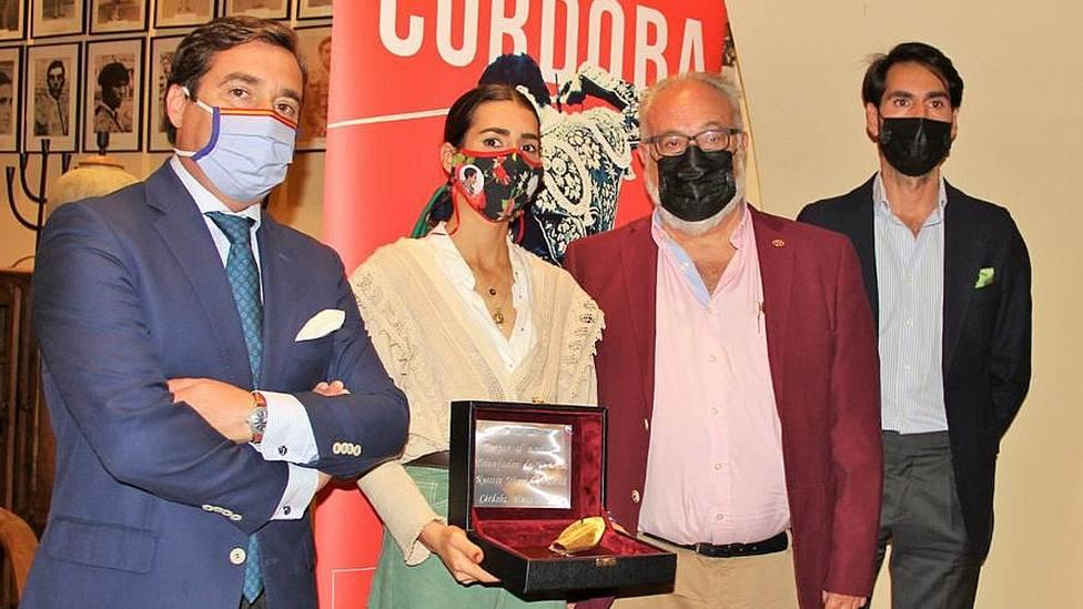 Presentación del trofeo La Oreja de Oro' del Club Calerito de Córdoba