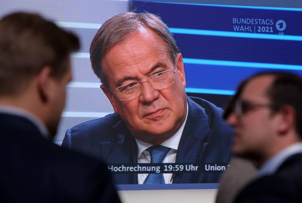 El candidato conservador del CDU insiste en formar Gobierno en Alemania pese a los malos resultados