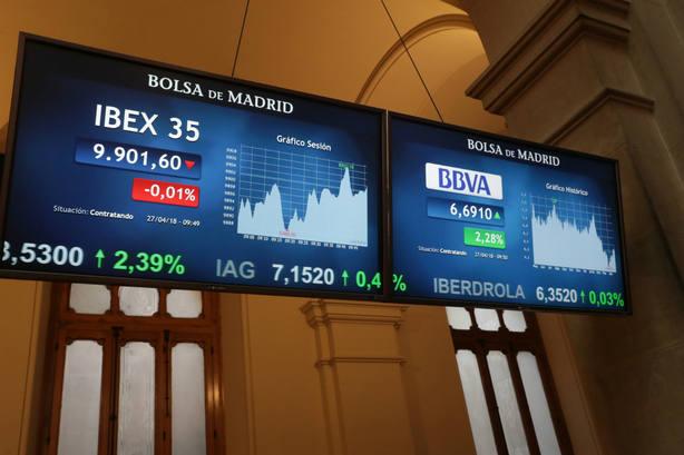 La sede de la Bolsa de Madrid en el arranque de la jornada de este viernes 27 de abril. EFE