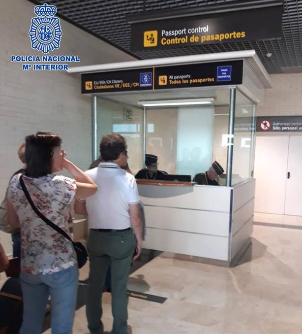 control en el aeropuerto de Logroño-Agoncillo