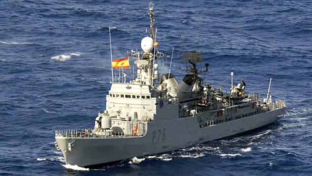 Vídeo: Un barco se pasea por Gibraltar con el himno de España a todo volumen