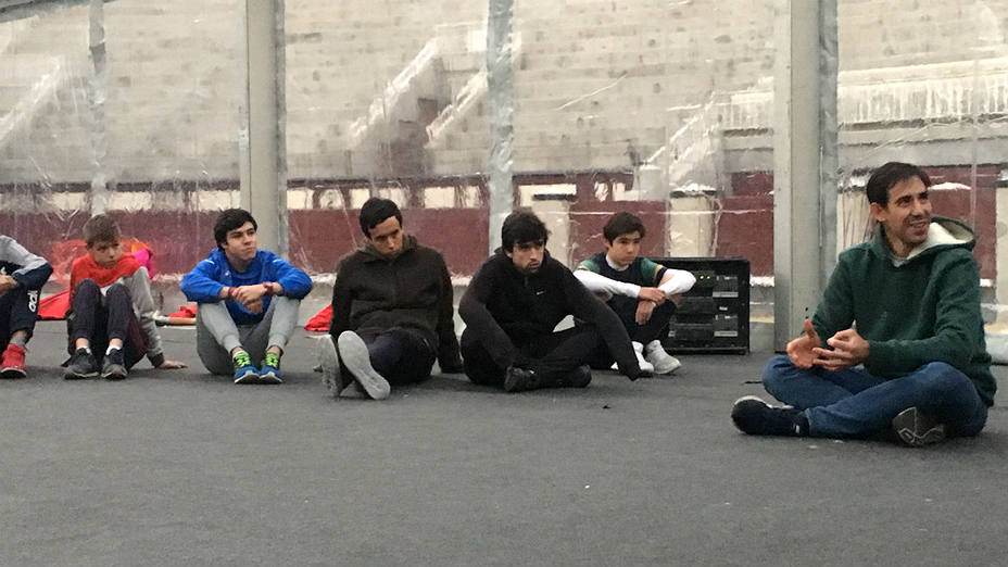 Fortes compartió una tarde de charla taurina con los alumnos de la escuela madrileña en Las Ventas