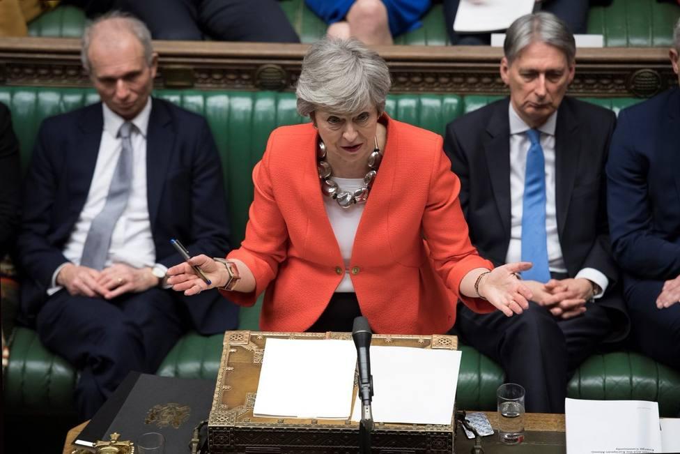 El Parlamento británico descarta un Brexit sin acuerdo en un primer paso para superar el impasse actual