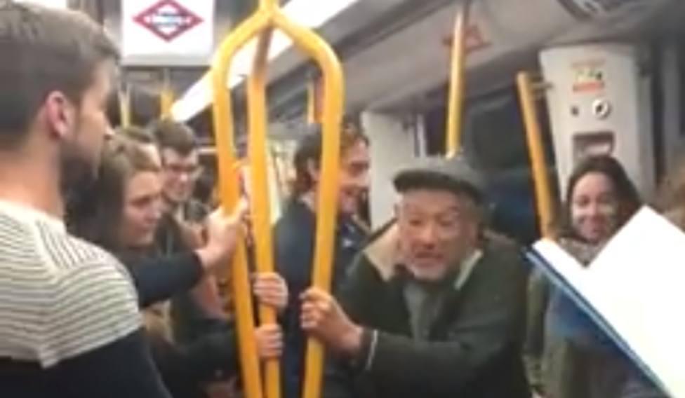 La sorprendente escena en el metro de Madrid que ya han visto más de 11 millones de personas