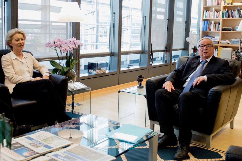Juncker critica que la nueva Comisión vincule migración a una cartera para la protección del estilo de vida europeo