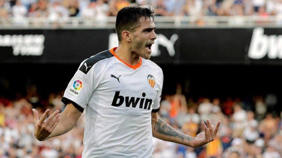 Cillessen y Maxi Gómez no viajan a Amsterdam con el Valencia