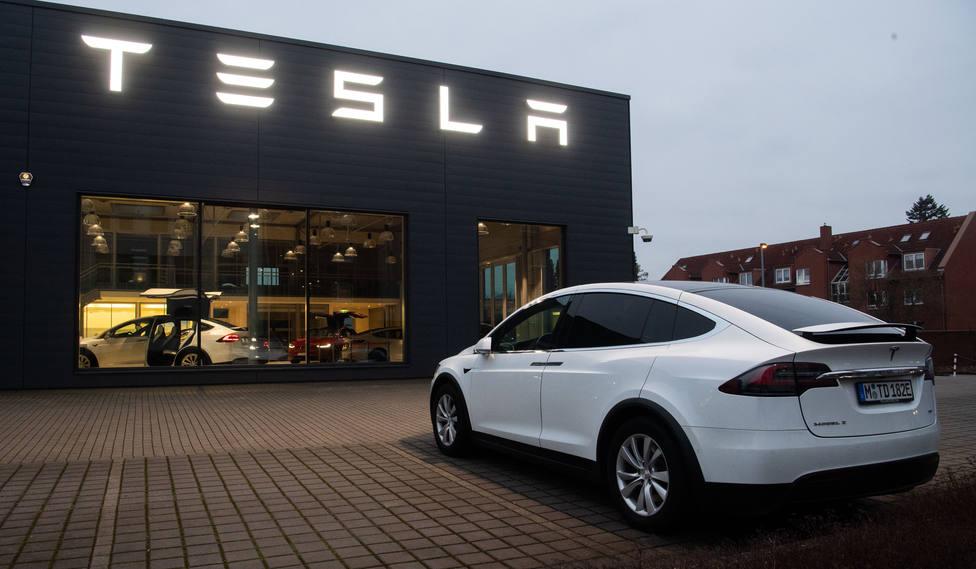 Elon Musk comprará acciones de Tesla por 9 millones en una ampliación en la que captará 2.100 millones