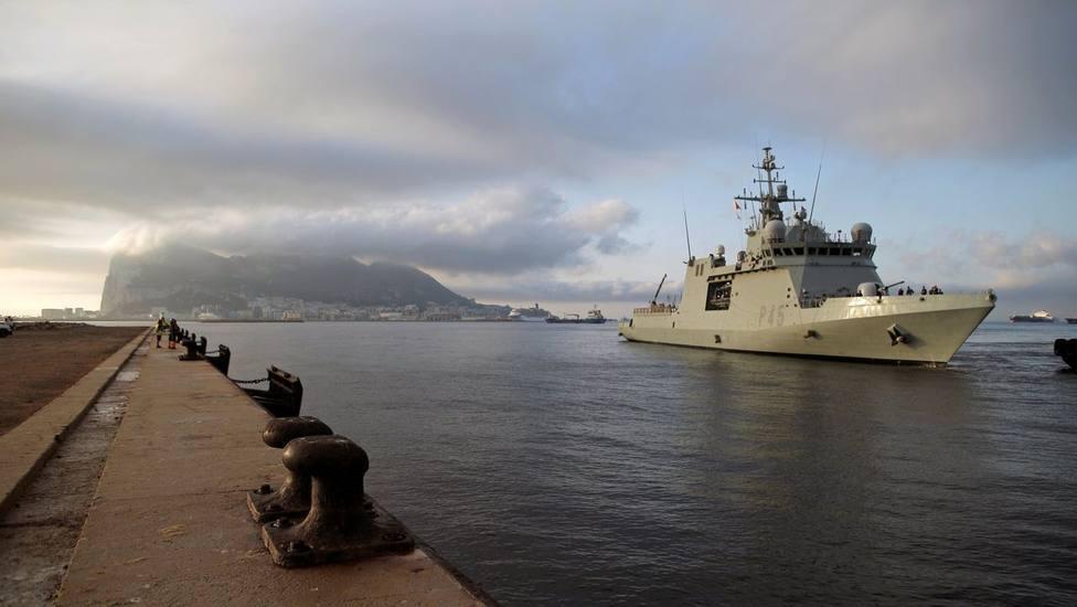 Detenidos en Gibraltar cuatro españoles a bordo de una embarcación