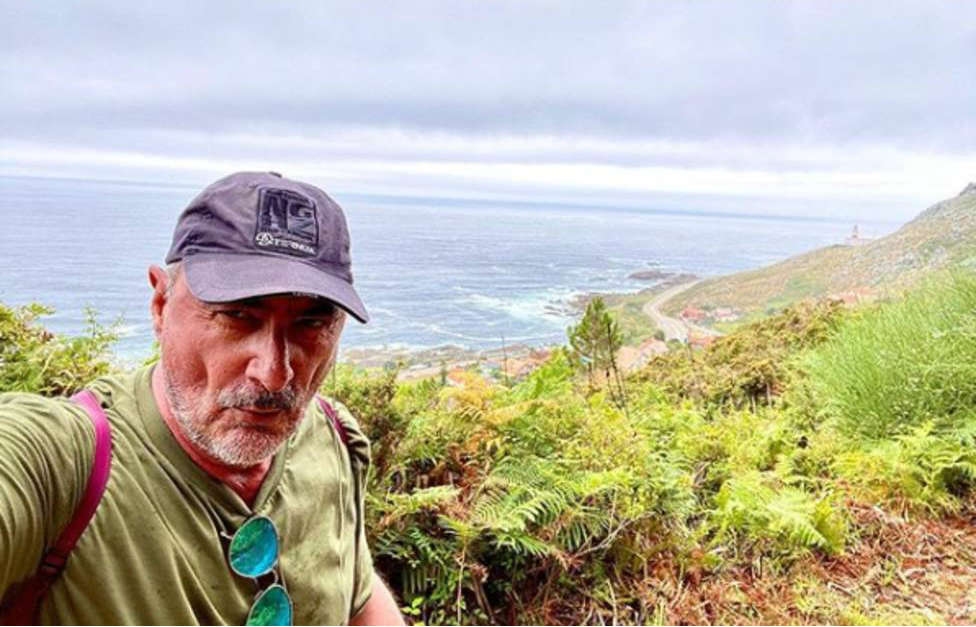 Carlos Herrera disfruta del Camino Portugués por la costa