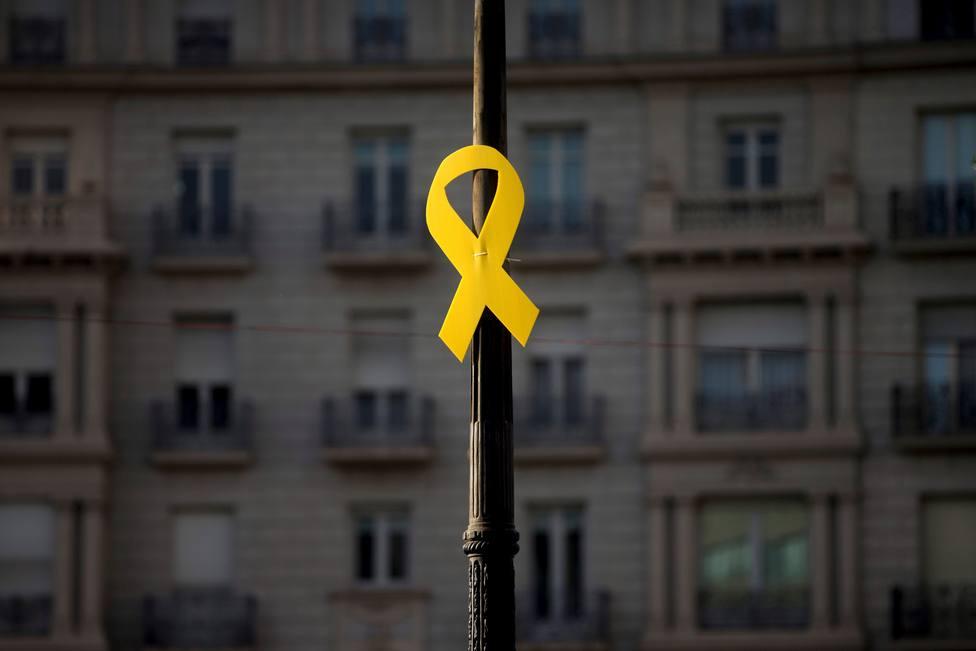 Lazo amarillo en Catataluña por la Diada