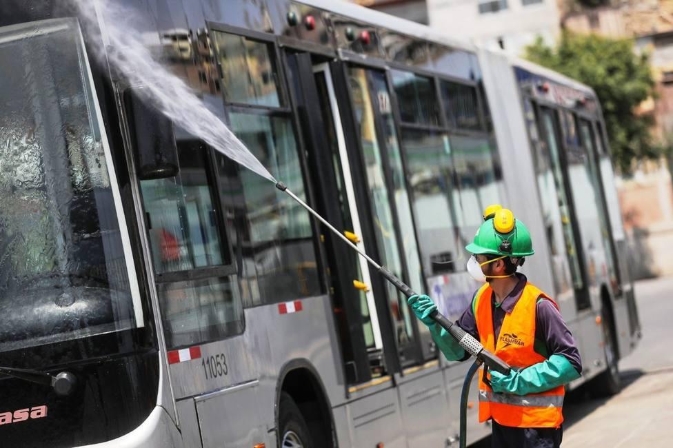 El sector del transporte escolar en Córdoba advierte que no es posible asumir los costes de desinfección