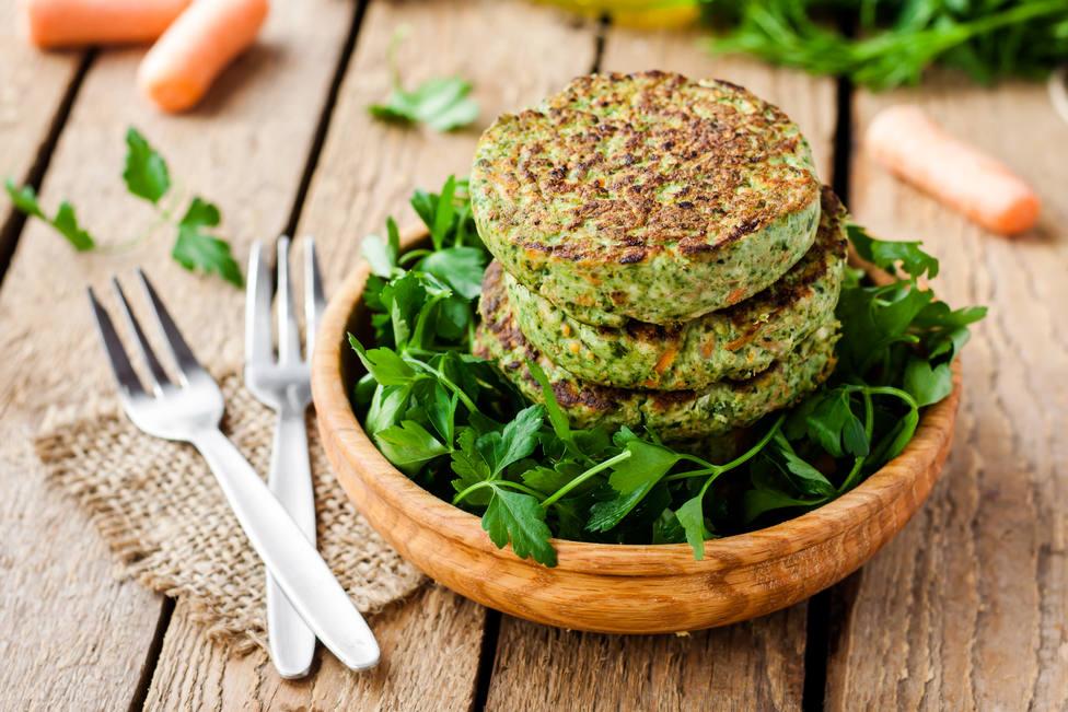 Hamburguesa vegetal con espinacas y verduras