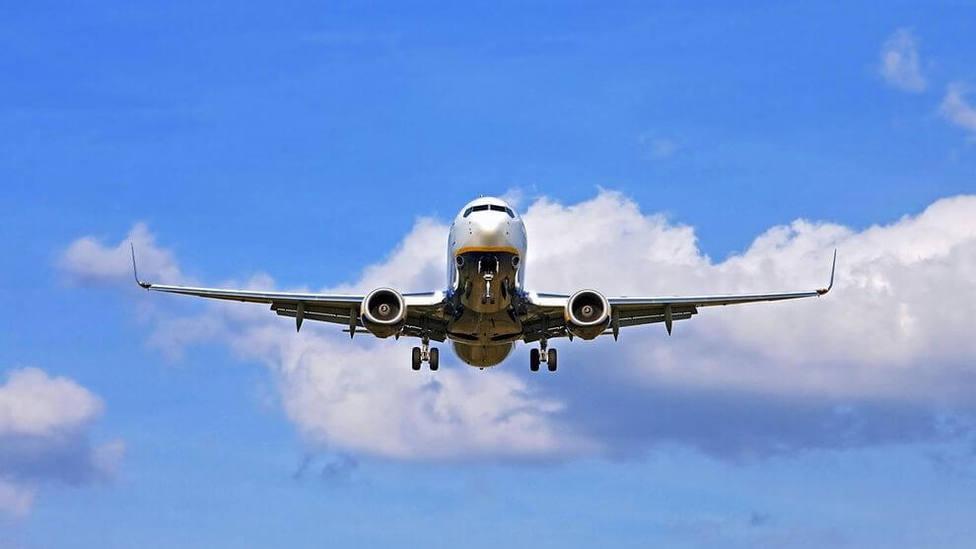Las aerolíneas aseguran que los PCR elevan el precio del trayecto y podría desalentar potenciales viajeros