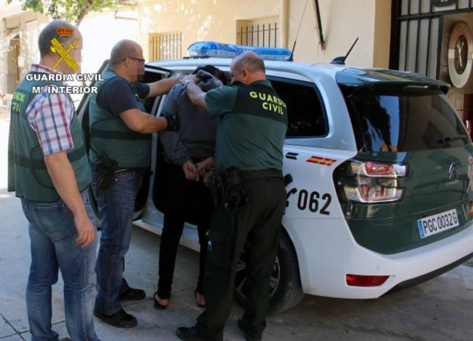 La Guardia Civil detiene a un peligroso delincuente relacionado con cinco robos con violencia