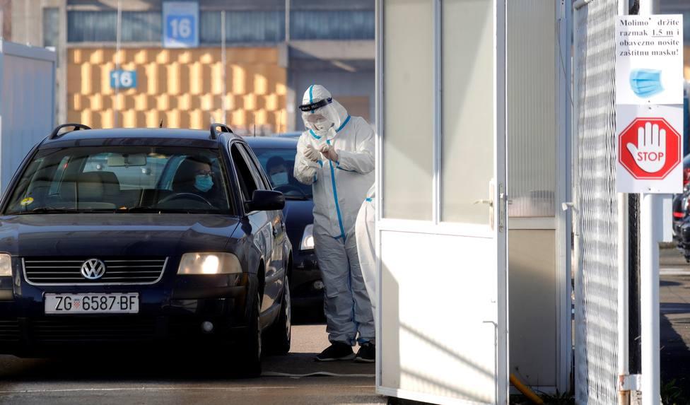 Europa, con récord de fallecimientos, tratará de evitar que los casos repunten en Navidad