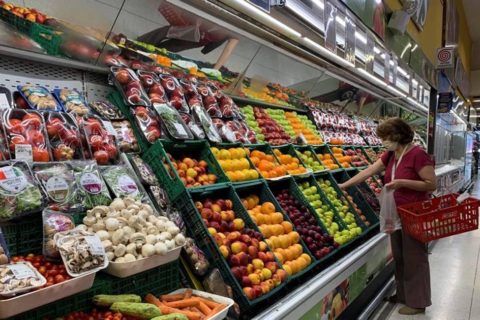 Los precios se moderan cinco décimas en febrero hasta quedar congelados