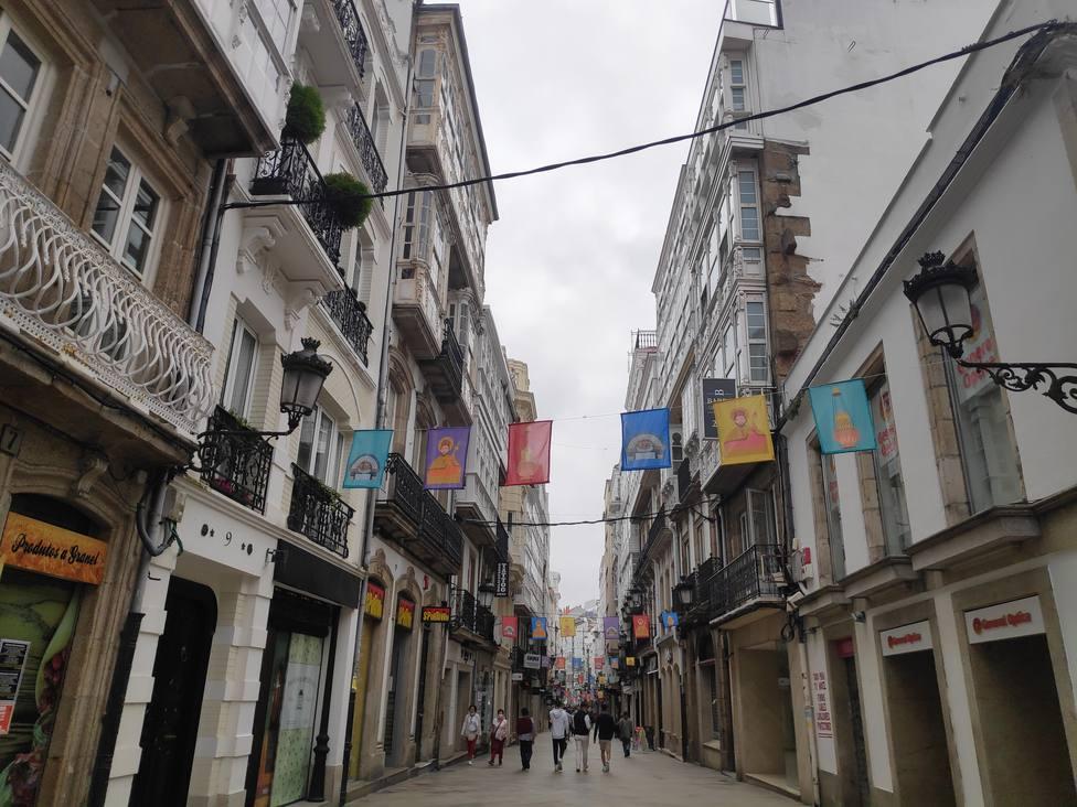 Calle Real, engalanada por el Xacobeo