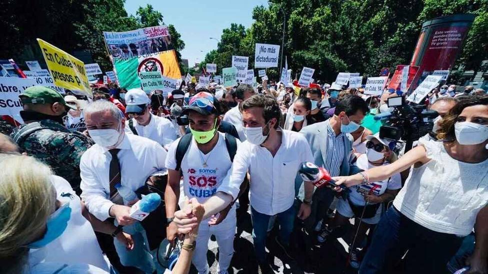 El líder del PP, Pablo Casado, reitera que Cuba es una dictadura tras ir a la manifestación en Madrid