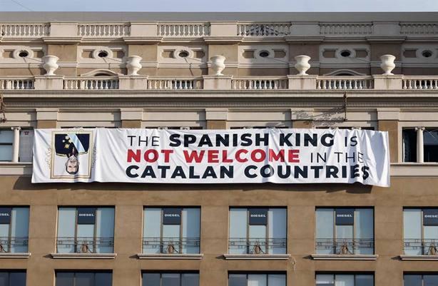 Pancarta contra el Rey, Cataluña