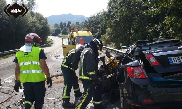 Un muerto y un herido en dos accidentes de tráfico en el Principado