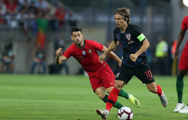 Modric jugando ante Portugal