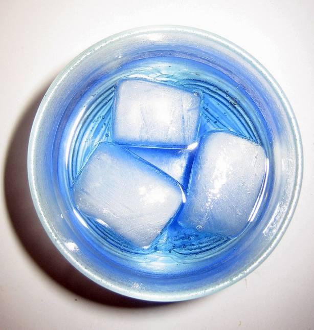 Una sola bebida energética puede dañar la función de los vasos sanguíneos, según un estudio