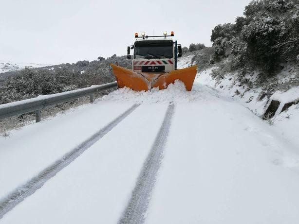 CASTILLA Y LEON. Diputacion de Zamora retira nieve de carreteras en mas de 150 municipios