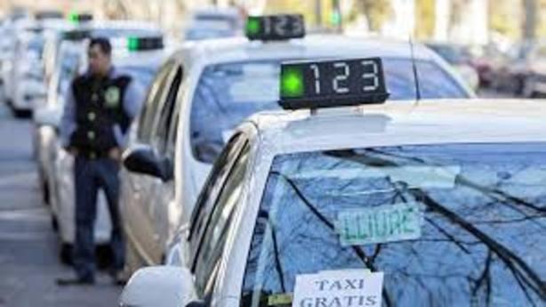 Taxistas y VTC rechazan la propuesta de solución de la Generalitat