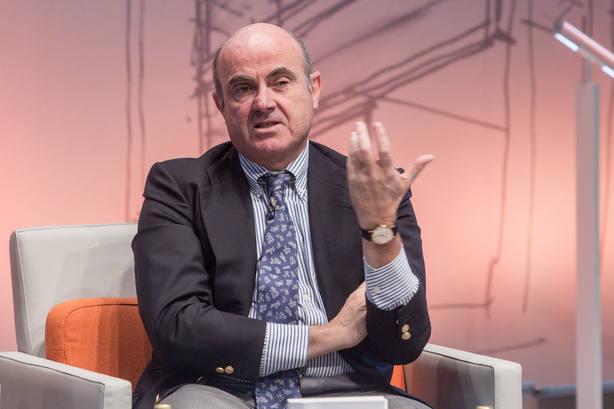 Guindos espera que España mantenga los rasgos diferenciales que le permiten esquivar la desaceleración