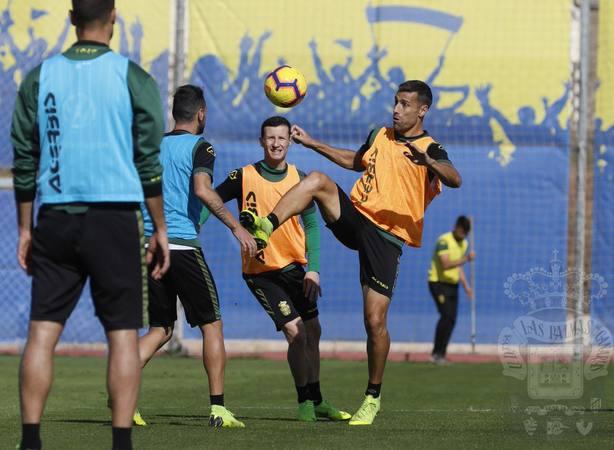 La UD Las Palmas se juega este mes parte de sus aspiraciones a subir.