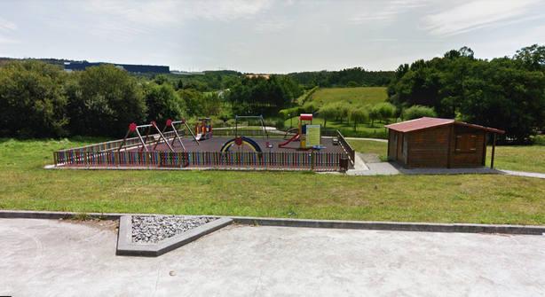 Parque infantil en A Iglesia, en As Somozas