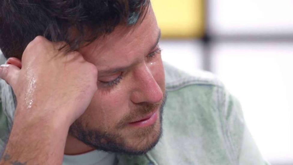 Pablo López rompe a llorar desconsolado en La Voz